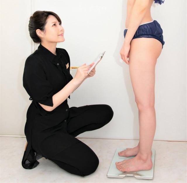 ⑤再度採寸・体重測定・撮影